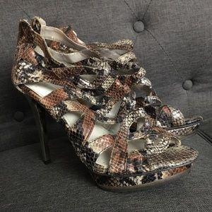 Beautiful Jennifer Lopez snake heels